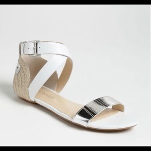 Enzo Angiolini Katrynn sandals white and silver